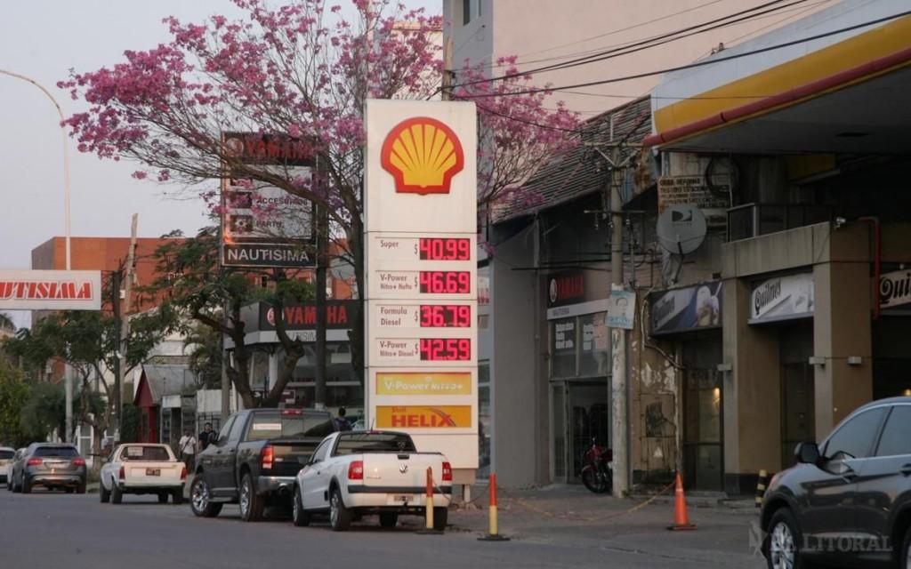YPF y Shell subieron los precios del litro de gasoil en un 2%
