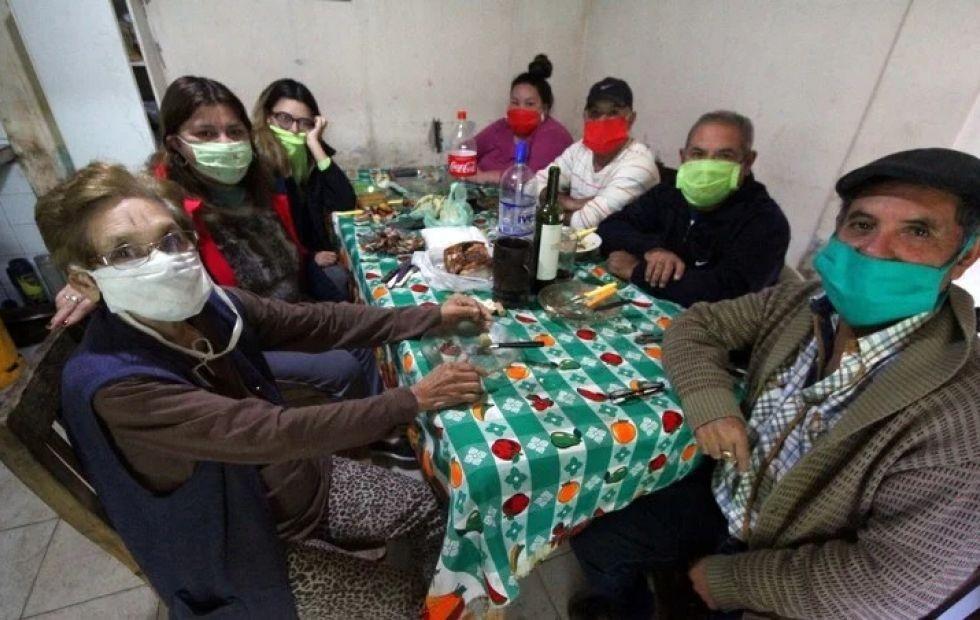 Corrientes: se oficializó la prohibición de reuniones sociales y familiares