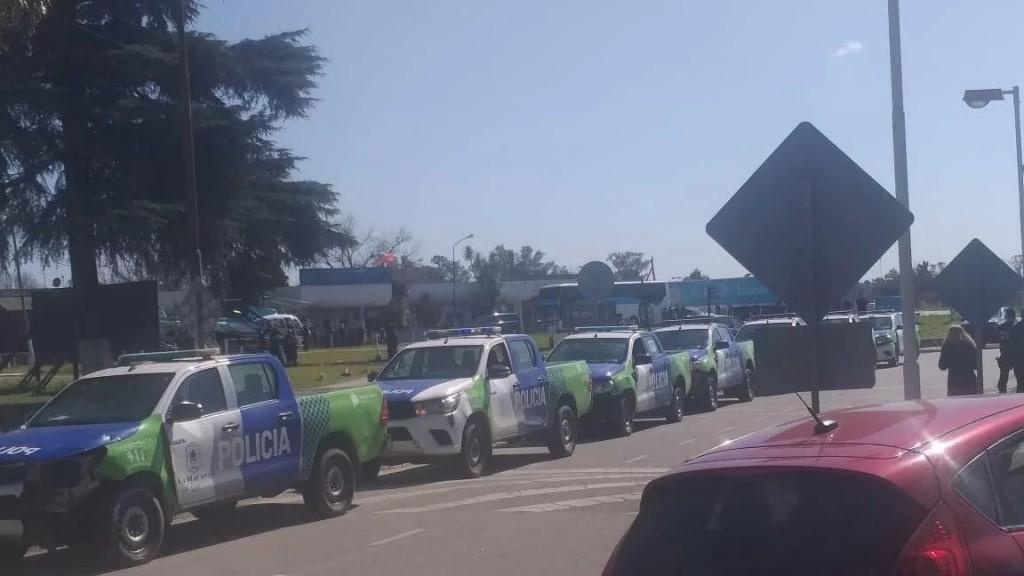 A pesar del anuncio de aumento, se mantiene la protesta policial