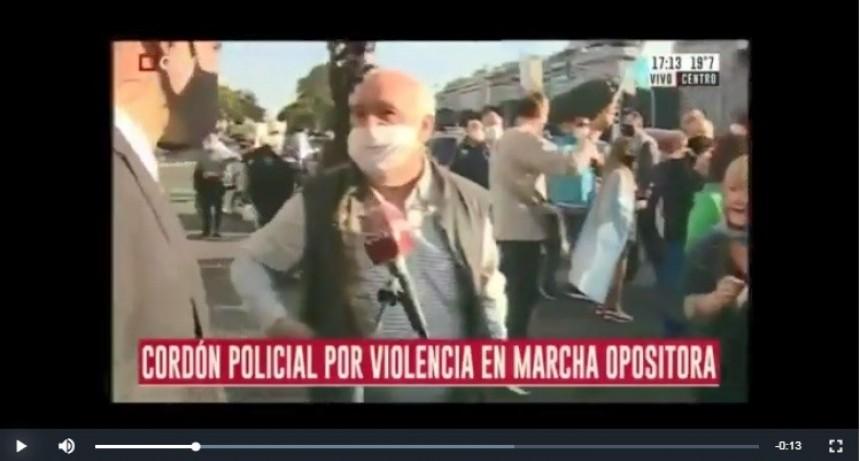 Agredieron a periodistas en el banderazo opositor del Obelisco