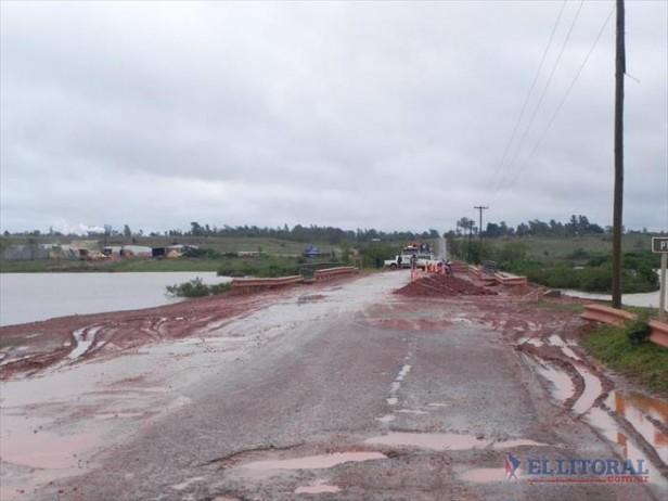 Por la creciente hay 77 familias evacuadas en diferentes comunas y dos rutas cortadas
