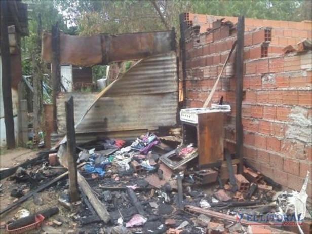 Golpeó a su esposa y luego prendió fuego la vivienda