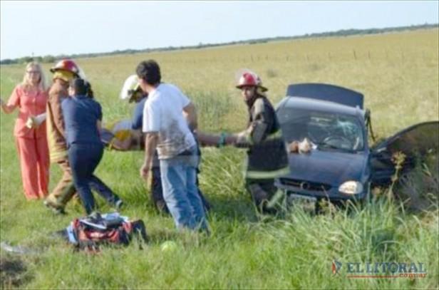 Choque frontal y vuelco en la Ruta Nº 12: siete heridos