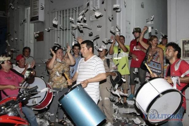 Aoem: Flores festejó el triunfo y esperaba la confirmación en el recuento definitivo
