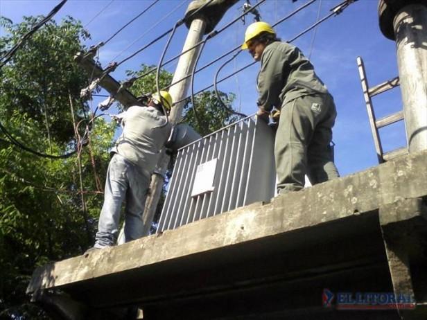Muchos barrios amanecieron sin luz y a la siesta un colapso afectó toda la región NEA