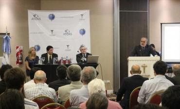 Colombi presidió la inauguración del primer Congreso de Economía Regional