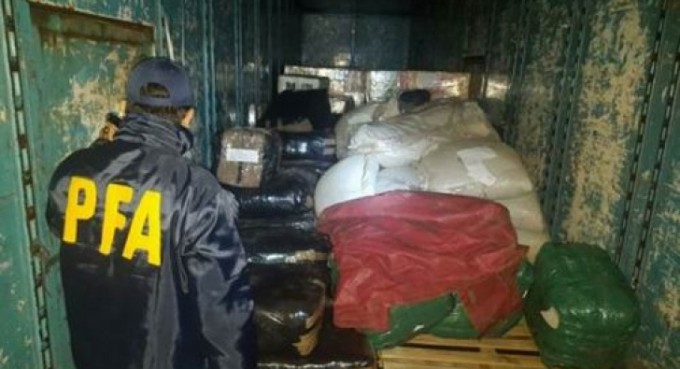 Interceptan contrabando de ropa valuado en 147 mil pesos