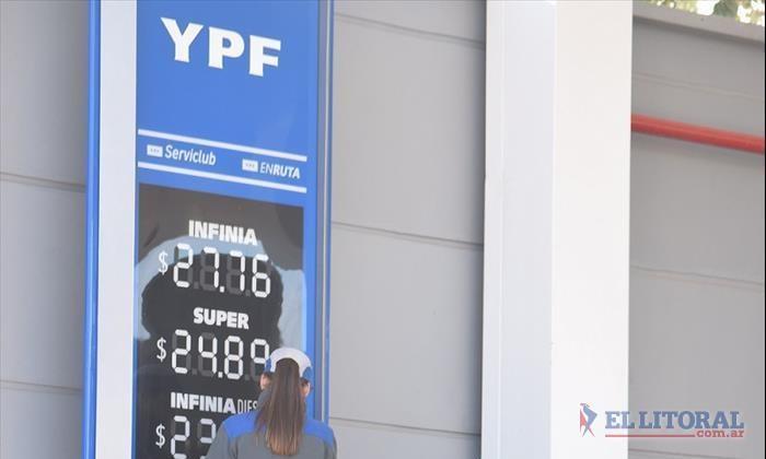 Los combustibles aumentaron en un 10% y la nafta súper roza los $25 en la ciudad