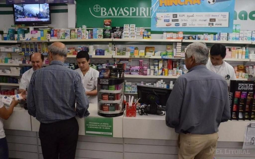 Por constantes subas en farmacias, buscan más medicamentos genéricos y financiados