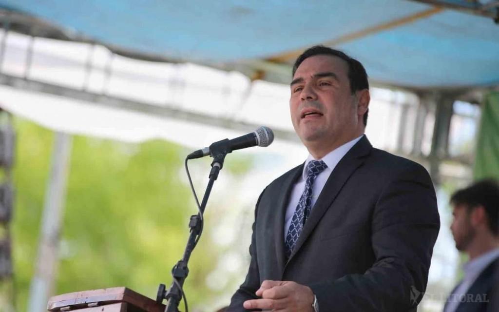 Valdés pidió enarbolar la bandera de los reclamos a Nación por regalías energéticas