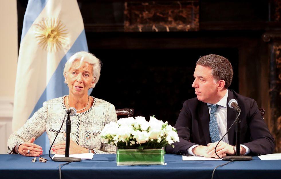 Argentina seguirá en recesión hasta 2019 y la inflación sería de 40%