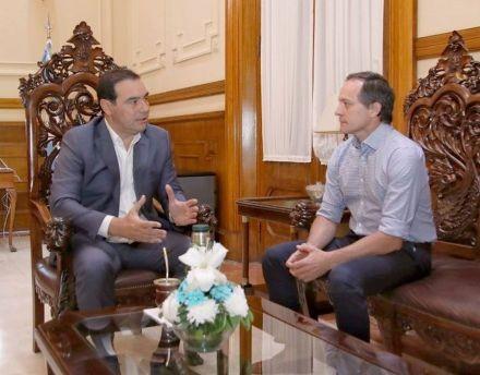 Valdés y Camau: reunión por Apipé y la política en la agenda
