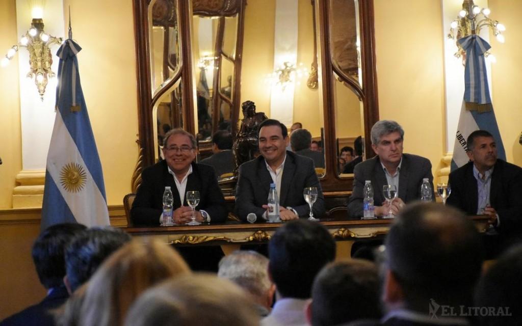 Provincia y la Comuna capitalina firmaron un acuerdo para obras de alumbrado público