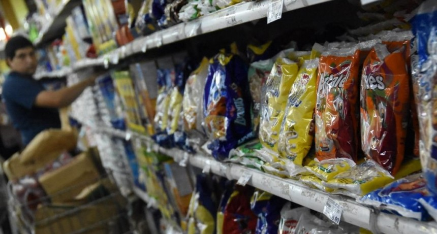 La mercadería subió un 10% en octubre y se estabiliza por la presión del bajo consumo