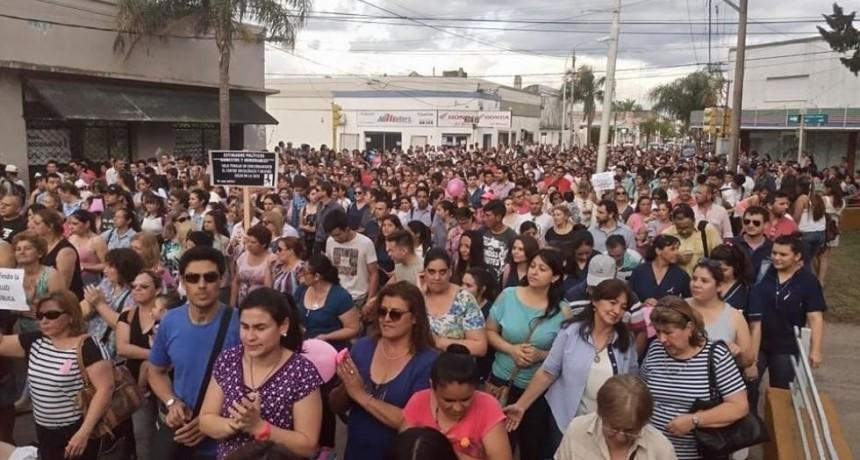 Unas diez mil personas se manifestaron a favor del Centro Oncológico en Curuzú