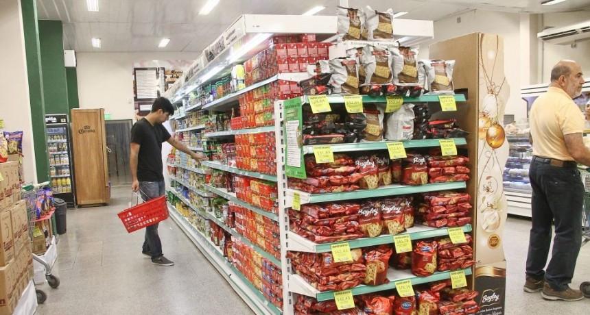 La recesión golpea al consumo: ventas en supermercados volvieron a bajar