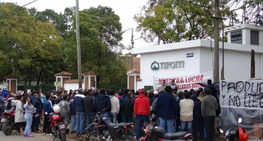 Trabajadores de la Tipoití exigen con urgencia un plan de lucha nacional