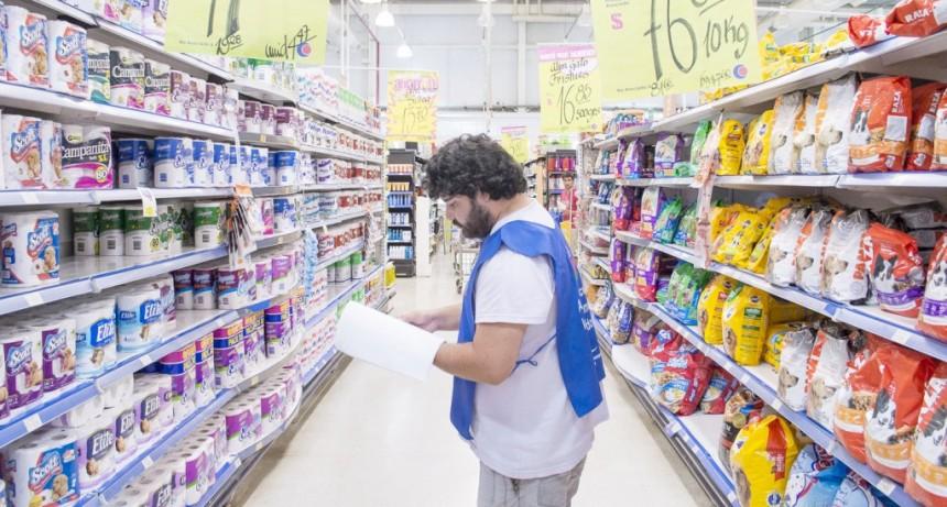 Siguen remarcando precios en supermercados