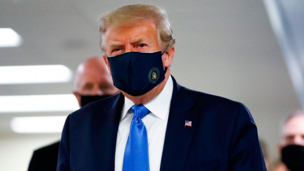 Antes de enfermarse, Donald Trump minimizó en 136 ocasiones la amenaza del Covid-19