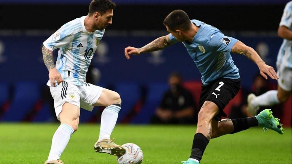 Argentina pone en juego su invicto en el clásico ante Uruguay