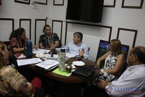 Paritarias: gremios docentes acercan posición para cerrar la reglamentación
