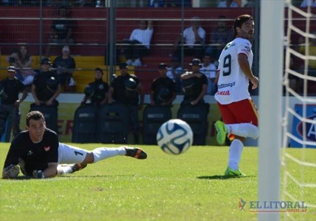 Boca Unidos se desinfló en la segunda parte y terminó cayendo ante Instituto