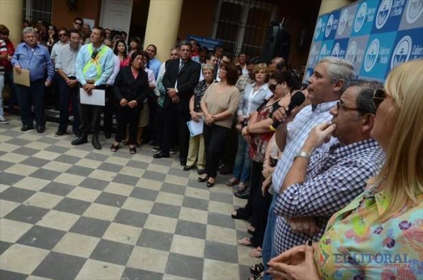 """Ríos anunció mejoras para los municipales y habló de esfuerzo ante """"castigos económicos"""""""
