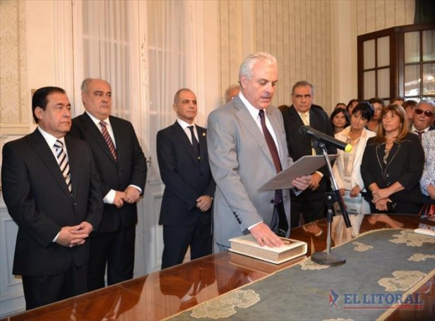 Panseri juró como ministro del STJ y Colombi ya eligió a quien cubrirá la última vacante
