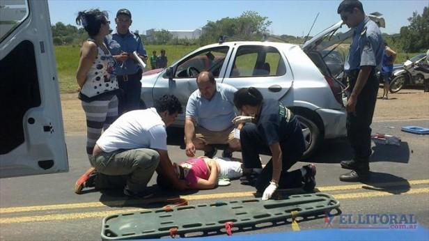 Brutal accidente con tres heridos en la Ruta Nacional Nº 12 y avenida Centenario