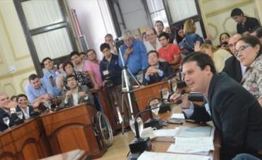 Sin tasa vial y con unidad tributaria fija, se aprobaría hoy la Tarifaria