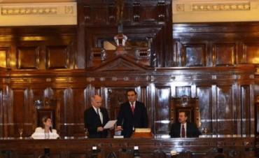 Valdés juró en el Consejo de la Magistratura y tildó de inadmisible el ingreso de jueces amigos