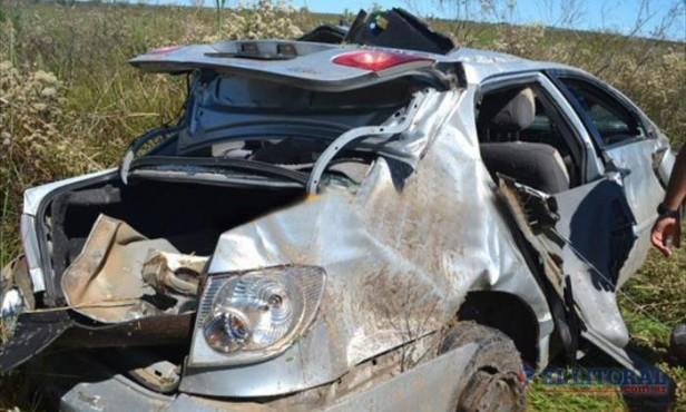Jugadores de fútbol de Monte Caseros heridos en vuelco de un auto en Mercedes