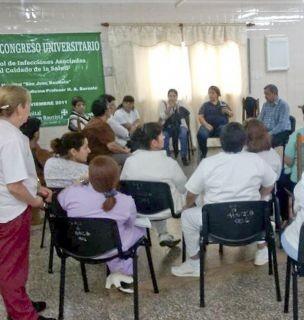 Empleados del hospital de Santo Tomé van a un paro