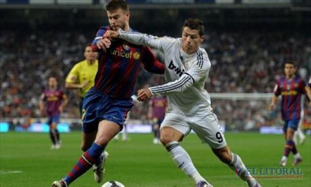 El Barcelona humilló al Real Madrid y se afianzó en la cima