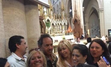 A horas del ballottage: Scioli fue a la Basílica de Luján y Macri se mostró con su familia