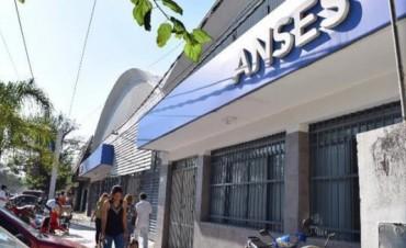 Unas 30 oficinas y 100 funcionarios deberá renovar Macri en Corrientes