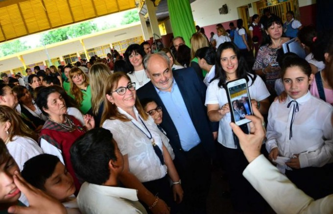 Colombi inaugurará más obras del área de educación en el interior