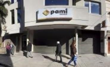 El Pami espera incrementar la planta de 300 profesionales y hay polémica