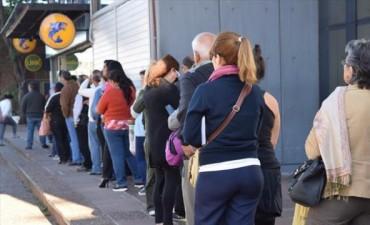El miércoles arranca el pago del adicional a los empleados públicos