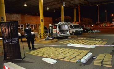 Narcoambulancia: decían que llevaban un paciente pero trasladaban casi 260 kilogramos de marihuana