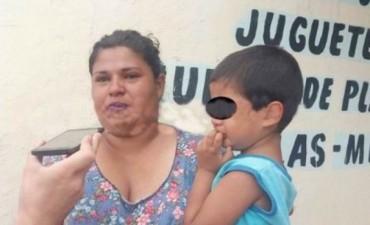Escapó de su casa con sus hijos por miedo a su marido