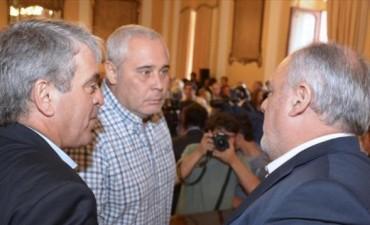 """Ríos: """"Nos manotean 2 millones diarios de coparticipación"""""""