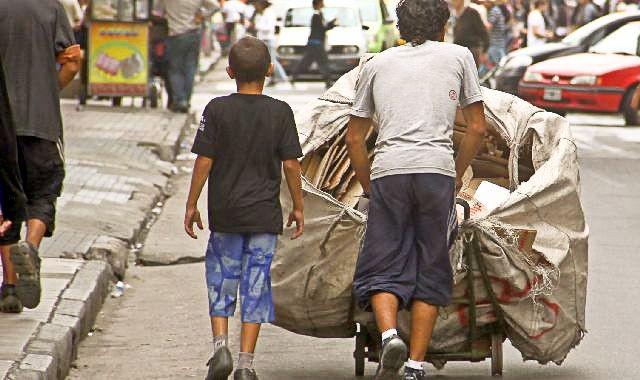 Trabajo infantil: más de 100 mil chicos de entre 5 a 15 años trabajan en el NEA
