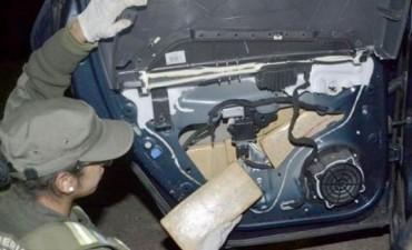 Gendarmería incautó 92 kilos de marihuana dentro de un auto
