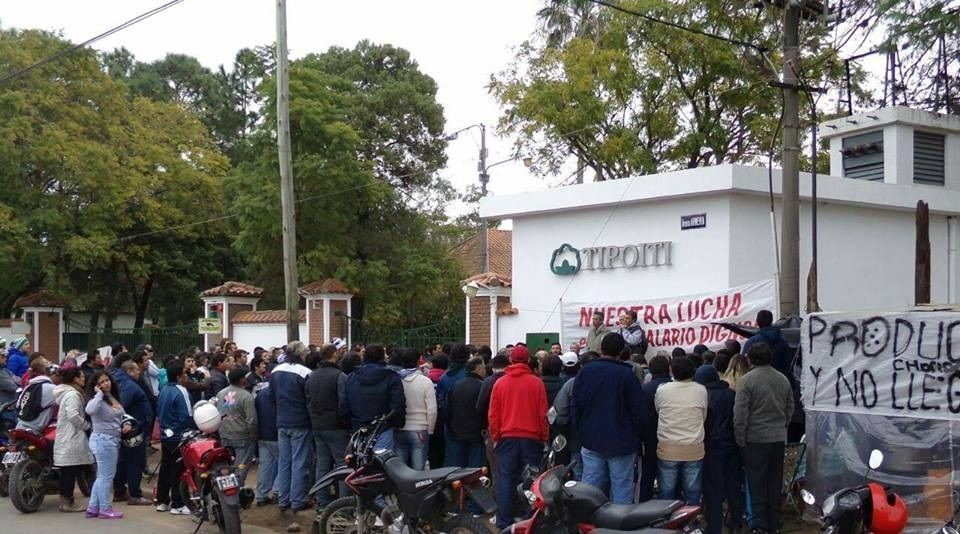 Los trabajadores de la textil Tipoití se manifestarán en la puerta de la planta