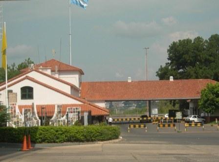 Piden juicio a 10 empleados de la aduana por contrabando