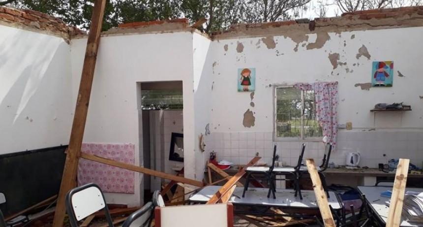 El temporal dejó casas destruidas, una persona herida y animales muertos
