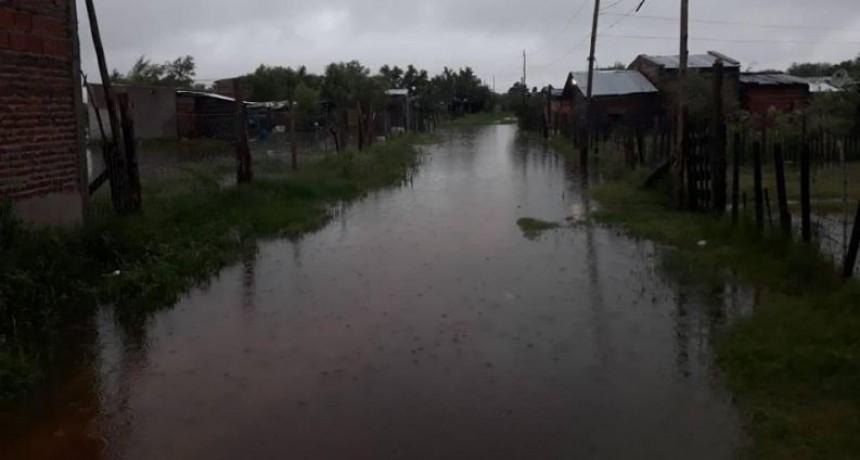 Operativo regreso: retornan a sus casas 500 vecinos evacuados por la tormenta