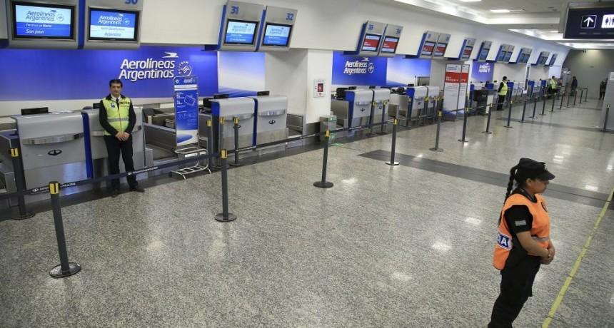 Conflicto en Aerolíneas: no habrá vuelos, por un paro