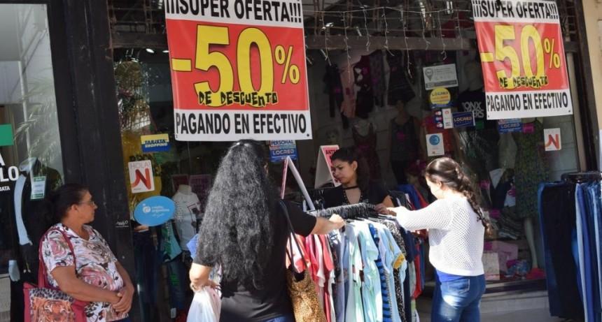 Sector económico anticipa otro mes con baja demanda mientras definen canasta navideña